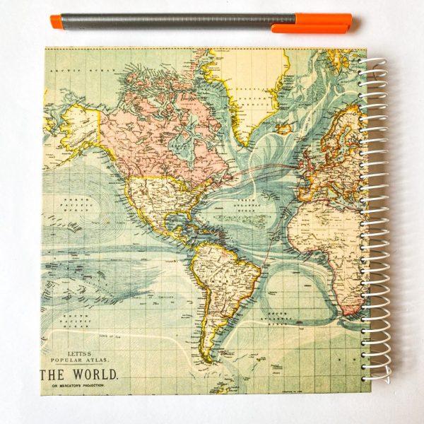 دفتر جلد سخت نقطه دار نقشه جهان سبز روشن