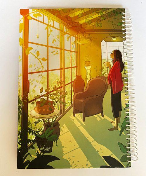 دفتر بی خط سیمی دختر در نور پاییزی