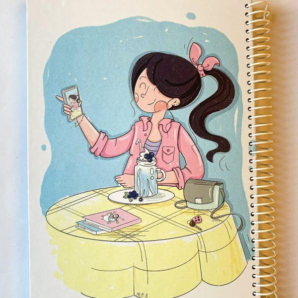 دفتر نقطه دار دختر در کافه